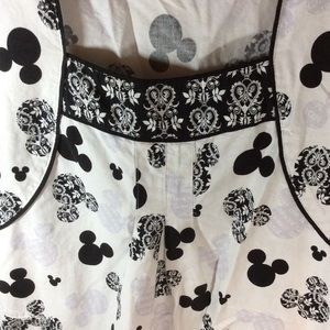 Disney Tops - Disney Mickey Mouse scrubs top black white